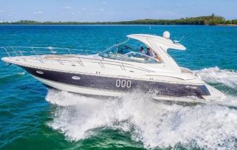 42' Cruisers Yacht Miami
