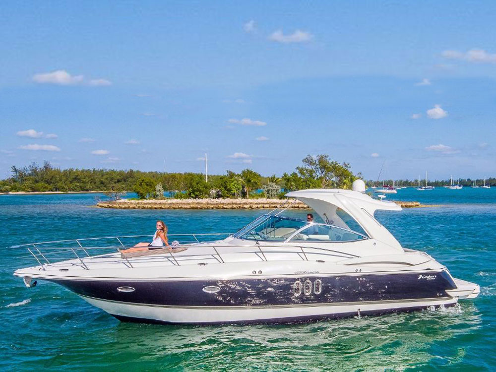 Yacht Charters of Miami. Yacht Charters in Miami. 42' Cruisers Yacht