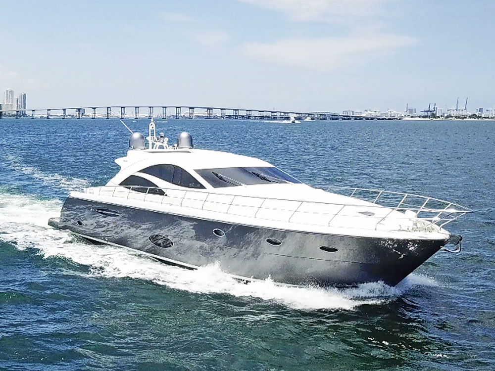 Yacht Charters of Miami. Yacht Charters in Miami. 70' Uniesse Dolce Vita